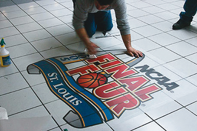 Floor graphics o vinil para pisos for Sintasol leroy merlin